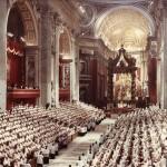 Papa Ioan al XXIII-lea prezidează începerea Conciliului Vatican II în Bazilia Sf. Petru