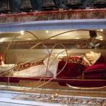 Papa Ioan al XXIII-lea: monumentul funerar, aflat în nava din dreapta a Bazilicii Sf. Petru din Vatican
